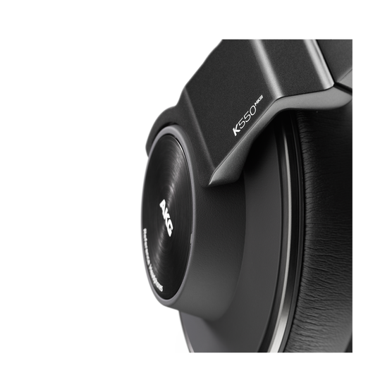 AKG K550 MKIII - Black - Closed-back reference over-ear headphones. - Detailshot 1